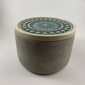 Cement bowl with Porcelain top